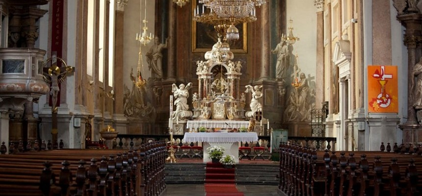 """""""Recurring Dreams of Holy Mass and my role in them"""""""