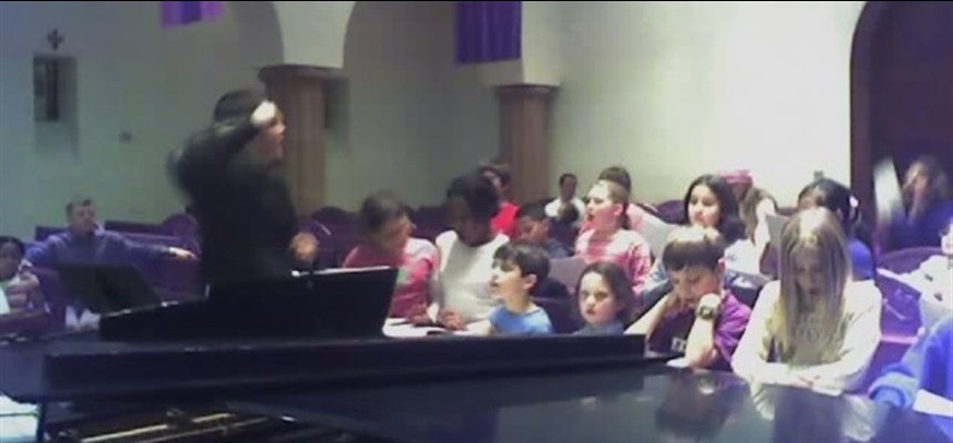 Is it OK to Clap at Mass?