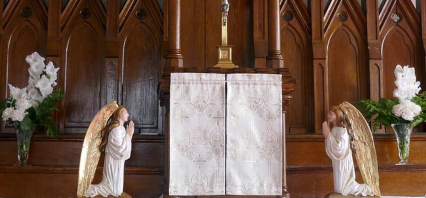 Visiting Jesus Before Mass