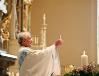 Faith of Our Fathers: Mass Confusion-Altar Rails- Right Track Or Wrong Track